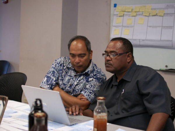 Pacific Resiliency Fellow Mas Tkel (Palau) and his mentor Manuel Mejia, The Nature Conservancy, discuss his project to improve fisheries management in the Northern Reefs of Palau.
